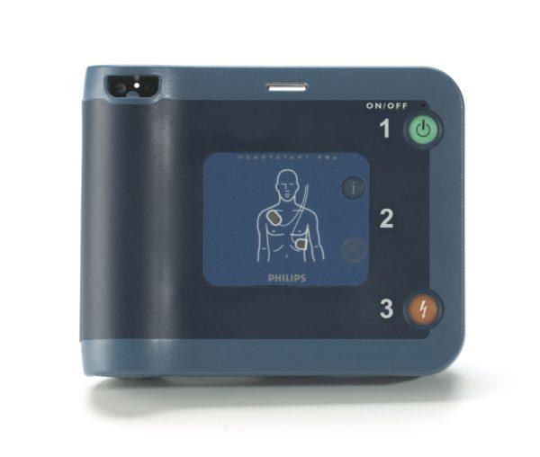 Philips HeartStart FRx auf dem Display wird eine Anleitung zur Applikation der Pads dargestellt. Der Notfallhelfer wird mit einer 1-2-3-Anleitung bei der Wiederbelebung des Patienten unterstützt.