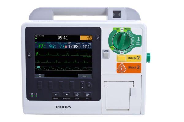 Philips HeartStart XL+ - Darstellung der Vitalparameter auf dem Display.